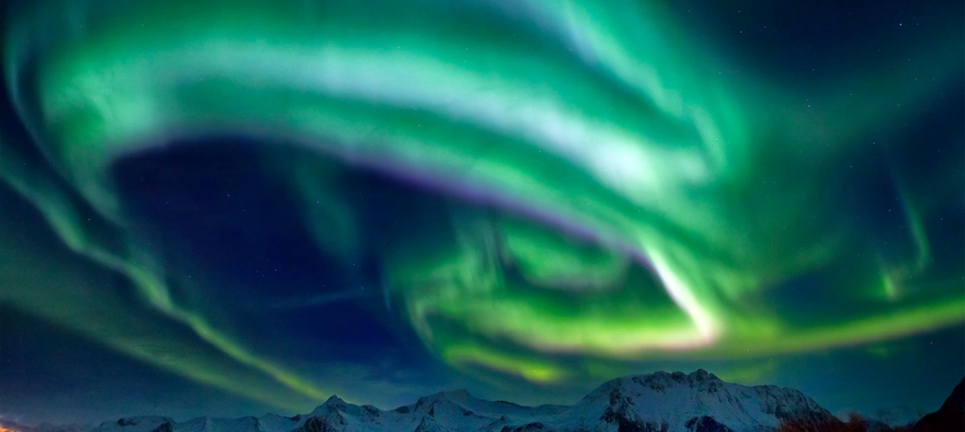 Beitragsfoto: Schneegeschichten: Wo Polarlichter knistern und Meereisblumen wachsen